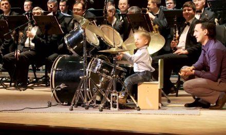 Mały perkusista
