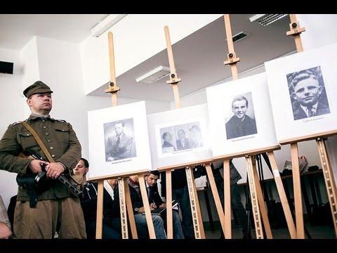 """Powązkowska """"Łączka"""": na 100 metrach jest cała historia powojennej Polski"""